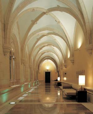 NH Collection Palacio de Burgos-claustro2